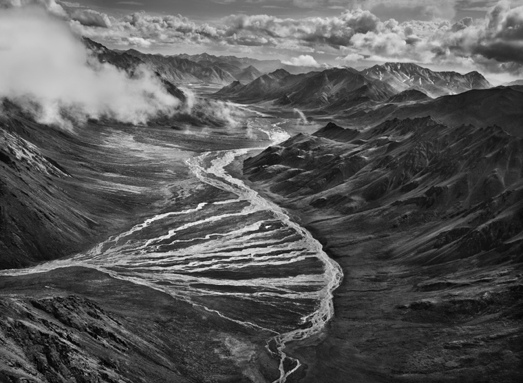 Exhibition Stand Photography : Sebastio salgado genesis the art of choosing