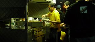 Why Some Halal Carts Fail and Others Succeed