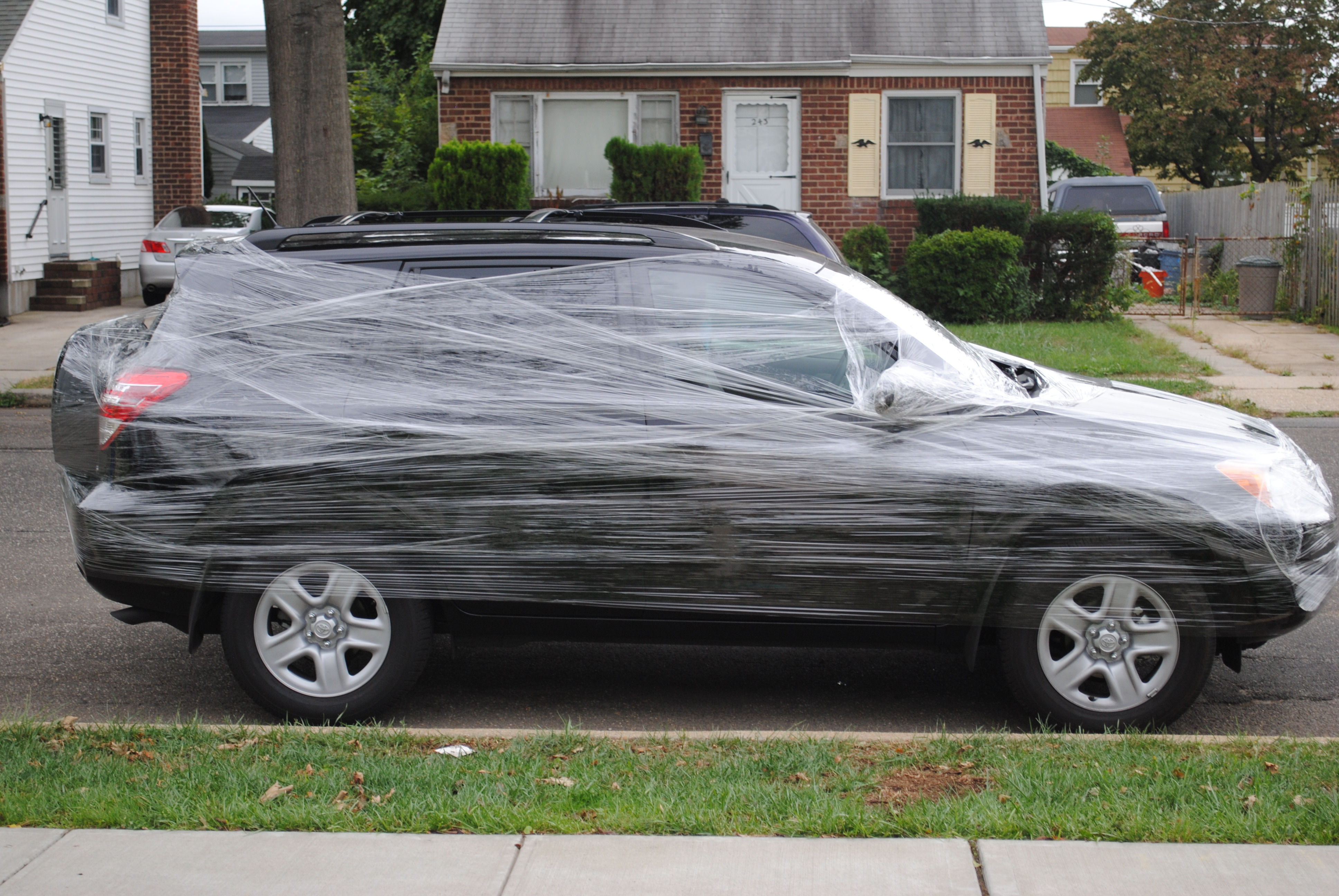 Plastic Wrap Car >> Saran Wrapped Car The Arts In New York City