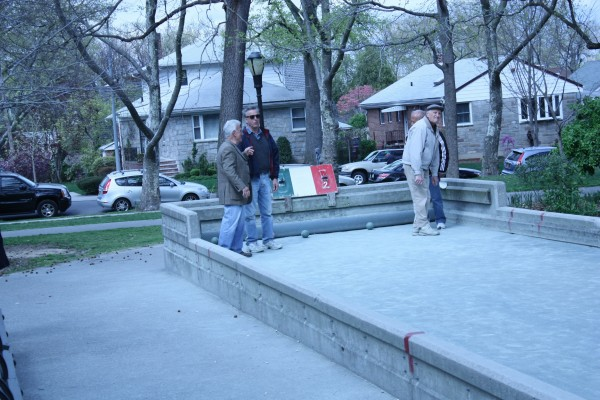 Bocce players of the park