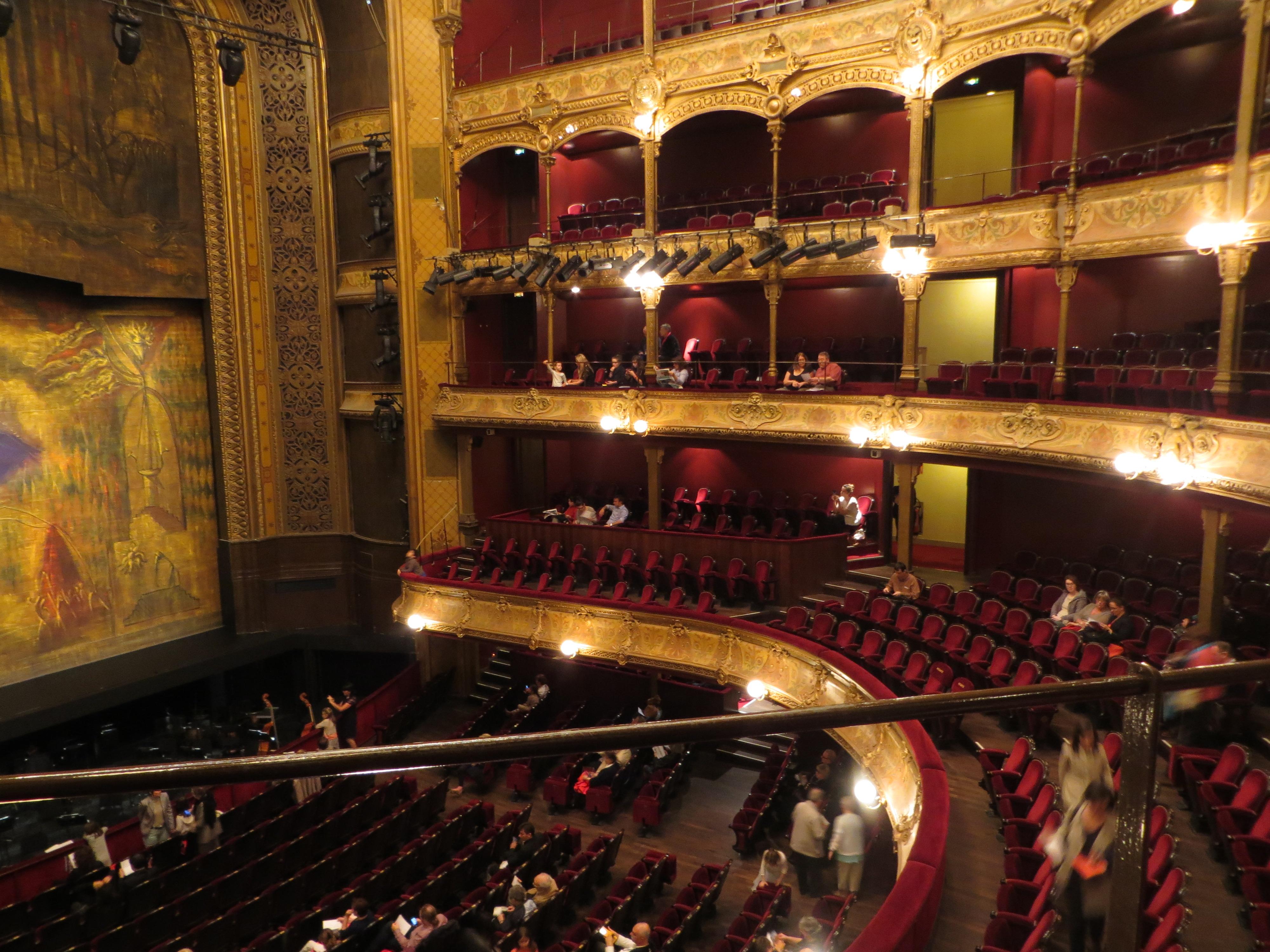 Grand Foyer Theatre Du Chatelet : Le lac des cygnes au thé tre du ch telet victoria goes